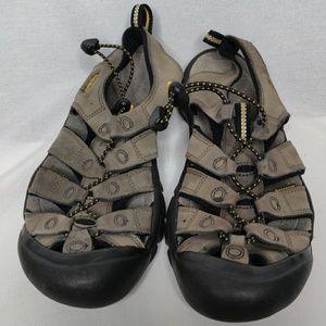 Keen sandles. Size 9. Good shape.